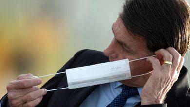 Photo of Болсонаро го одобри законот за задолжително носење маска на јавни места