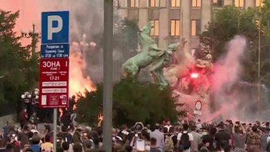 Photo of Светски aгенции: Екстремистите со нападите ја предизвикаа полицијата и немирите во Србија