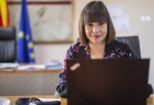Photo of Царовска на состанок со директорите: Законска обврска на МОН е да организира матура за учениците кои се пријавија за полагање