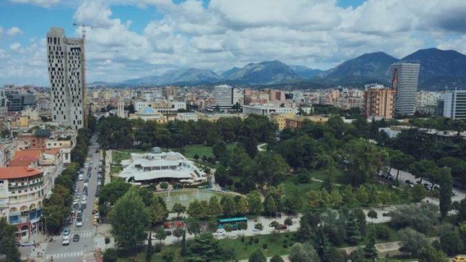 Старее популацијата во Албанија - МИА