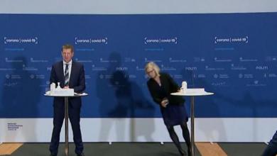 """Photo of ВИДЕО: Директорката на Агенцијата за лекови на Данска се онесвести додека соопштуваше дека веќе нема да ја користат """"АстраЗенека"""""""