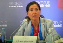 """Photo of Холштајн: ЕУ мора да стои на своите заложби и да важи пристапот """"вие испорачувате, ние испорачуваме"""""""
