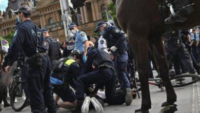 Photo of Илјадници на протести во Сиднеј поради рестриктивните мерки, реагираше полицијата