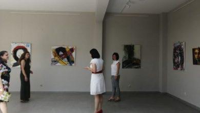 """Photo of Изложба на дела од Ликовната колонија """"Неготино 2020"""" отворена во Велес"""