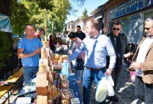 """Photo of Кондовски: Задоволство ми беше во Старата чаршија во Битола да го посетам традиционалниот """"Пазар на фармери"""" во организација на """"Слоу Фуд Битола"""""""