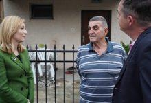 Photo of Арсовска ги почна посетите на домаќинствата од Бутел