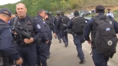 """Photo of Видео: """"Еве го Рамбо"""" – Србите се подбиваат со косовските специјалци на границата"""