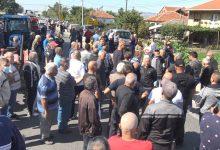 Photo of Протест на оризопроизводителите од Кочанско: На пописот ќе се изјасниме како робови, оти никој не води сметка за нас
