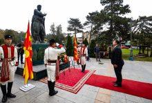 Photo of Делегација од Кабинетот на Претседателот положи цвеќе по повод 23 Октомври