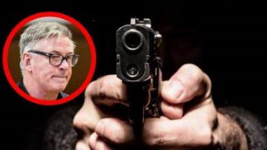 """Photo of Алек Болдвин по трагедијата повторувал само едно:""""Зошто добив наполнет пиштол во моите раце?!"""""""