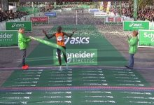 Photo of Кениецот Ротич и Етиопјанката Мемује победници на Парискиот маратон